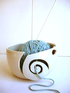 Never knew there was such a thing as a yarn bowl......but I sure could use one!