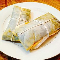 Puerto Rican Pasteles (technically my mans culture .loll) I love all Spanish food :) Puerto Rican Pasteles, Puerto Rican Recipes, New Cooking, Cooking Recipes, Cooking Stuff, I Love Food, Good Food, Yummy Food, Dominican Food