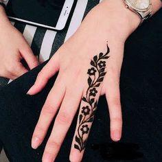 Modern Henna Designs, Latest Henna Designs, Finger Henna Designs, Simple Arabic Mehndi Designs, Mehndi Designs For Girls, Mehndi Designs For Beginners, Mehndi Design Photos, Mehndi Simple, Mehndi Designs For Fingers