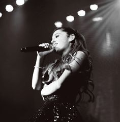 Ariana Grande   ...........click here to find out more     http://googydog.com