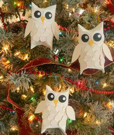 basteln-klorollen-weihnachten-christbaumschmuck-eulen-trend-kleben