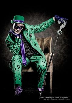 Character: Riddler (Edward Nigma) / From: DC Comics 'Batman' & 'Detective Comics' / Cosplayer: Unknown Dc Cosplay, Best Cosplay, Cosplay Costumes, Amazing Cosplay, Cosplay Outfits, Comic Book Characters, Comic Character, Comic Books Art, Comic Art