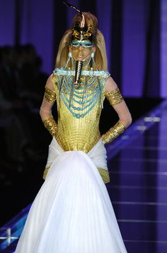 John Galliano for The House of Dior,    Spring/Summer 2004, Haute Couture