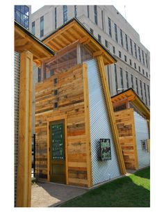 Garden shed made out of pallets  #House, #Pallets, #Shed