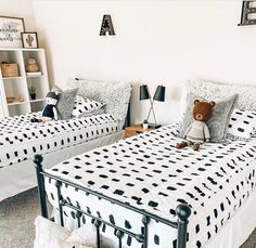 Beddy's is perfect for shared bedrooms. You can personalize your bed for each child style with a few pillows or accessories. 📷: @diariesofmyhome #beddys #zipperbedding #zipyourbed #girlbedding #girlbed #beddysbeds #girlyroom #girlsroomdecor #girlsroom #girlsroominspo #girlsroominspiration #girlsroomdecoration #girlsroomstyling #girlystuff #bedding #beddings #homedecor #homedesign #bedroomgoals #bedroomideas #boysroom Cool Bedrooms For Boys, Shared Bedrooms, Girls Bedroom, Bedroom Ideas, Bedroom Decor, Beddys Bedding, Zipper Bedding, Floral Bedroom, Kids Room Design