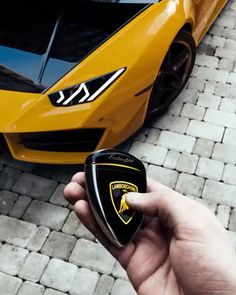 How insane is this?🤯 Changing the color of you Lamborghini Huracan with the touch of a button🤤 What color would yours be?🌈 Tag someone that needs to see this! Help us grow the commu Lamborghini Veneno, Lamborghini Lamborghini, Koenigsegg, Lamborghini Quotes, Lamborghini Diablo, Ferrari F40, Bmw I8, Supercars, Top Luxury Cars