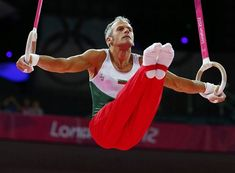 39 year old Jordan Jovtchev of Bulgaria competes in the men's gymnastics rings final. Gray hair and all. Gymnastics Events, Gymnastics Equipment, Gymnastics Gifts, Gymnastics Workout, Artistic Gymnastics, Nbc Olympics, 2012 Summer Olympics, Gymnastic Rings, Male Gymnast