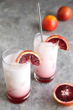 Orange Italian Soda This refreshing blood orange Italian soda looks delish!This refreshing blood orange Italian soda looks delish! Margarita Recipes, Smoothie Recipes, Drink Recipes, Sangria Recipes, Healthy Smoothies, Healthy Drinks, Cocktail Recipes, Funnel Cakes, Biscotti