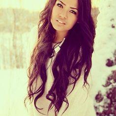 Her hairrrrr.. I want it..