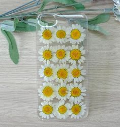 White Daisy Handmade Real Dried Pressed Flowers Case