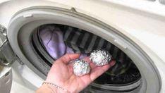Výrobci každý rok vyrábějí novější a modernější pračky. Někdy ale i tak oblečení zůstane obarvené, nevoní, nebo není pořádně vyždímané. V neposlední řadě a bez ohledu na to, jak drahý je přípravek na praní, není zaručeno, že tkanina nebude elektrostaticky nabitá. Je to už velmi dávno, kdy bylo prokázáno, že …