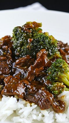 Slow Cooker Beef and Broccoli Amazing slow cooker beef & broccoli. The post Slow Cooker Beef and Broccoli & Favorite Recipes appeared first on Oxtail recipes . Slow Cooker Beef Broccoli, Slow Cooker Bacon, Slow Cooker Huhn, Broccoli Beef, Slow Cooker Chicken, Broccoli Recipes, Oxtail Stew Slow Cooker, Slow Cooker Hamburger Recipes, Slow Cooker Recipes Family