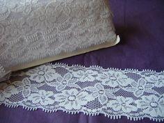 Elastische Spitzenborte in weiß von Xandras-kreativ-accessoires auf DaWanda.com