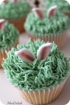 Easter Bunny Hiding in the Grass Cupcakes - Vanilla cupcakes with vanilla buttercream. The bunny isn't the only thing hiding in these.there is also a sneaky milk chocolate Easter egg in the center of the cupcake! ~ by MonDelish Easter Cupcakes, Easter Cookies, Yummy Cupcakes, Easter Treats, Mocha Cupcakes, Gourmet Cupcakes, Strawberry Cupcakes, Flower Cupcakes, Velvet Cupcakes