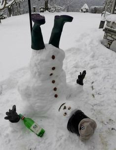Ireland is covered in snow. Here is a picture of an Irish Snowman! Stupid Funny, Haha Funny, Funny Jokes, Winter Wonder, Winter Fun, Funny Snowman, Snow Sculptures, Snow Art, Cosplay Anime