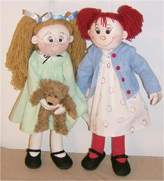 Violet Pickles and Ruby Buttons  Cloth Doll Pattern by Judi Ward.  These dolls turn out so cute!