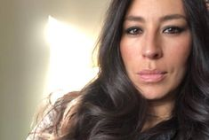 Celebrity moms 119204721373685777 - The Stir-Joanna Gaines's Heartwarming 'Live for Now' Post Challenges Us to Be Present Source by Joanna Gaines Baby, Magnolia Joanna Gaines, Joanna Gaines Style, Chip And Joanna Gaines, Gaines Fixer Upper, Fixer Upper Joanna, Magnolia Fixer Upper, Jo Gaines, Joanne Gaines