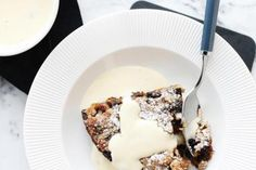 This recipe for classic English custard sauce is so easy to make and is the quintessential partner for all great British pies and puddings. Hp Sauce, British Desserts, British Recipes, Scottish Desserts, British Sweets, Summer Pudding, Simply Yummy, Custard Sauce, English Food