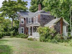 NOFO beautiful coastal house with a vintage vibe