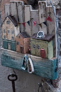 """cozy homes / """"Cozy Home"""" Wood Block Crafts, Barn Wood Crafts, Wooden Crafts, Driftwood Wall Art, Driftwood Projects, Beach Crafts, Home Crafts, Small Wooden House, Pallet Art"""