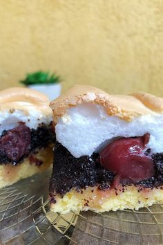 Meggyes-mákos habos szelet - GastroHobbi Cookie Time, Cookie Desserts, Oreo, Cheesecake, Dinner Recipes, Food And Drink, Sweets, Cookies, Baking