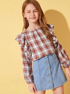 To find out about the Girls Ruffle Trim Plaid Top at SHEIN, part of our latest Girls Blouses ready to shop online today! Girls Fashion Clothes, Tween Fashion, Fashion Outfits, Fashion Trends, Cute Girl Dresses, Cute Girl Outfits, Little Girl Models, Girls Blouse, Young Fashion