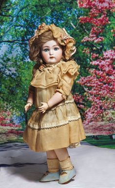 GERMAN BISQUE DOLL BY KAMMER & REINHARDT. Marks: Simon : Lot 1