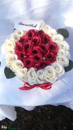 Big Love Box (35 szálas) (EraberaPorteka) - Meska.hu Love Box, Big Love, Cake, Desserts, Tailgate Desserts, Deserts, Kuchen, Postres, Dessert