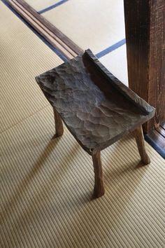 Classic Furniture, Unique Furniture, Rustic Furniture, Diy Furniture, Furniture Design, Wood Stool, Old Chairs, Woodworking Furniture, Wabi Sabi