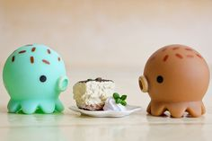 takochu with cake