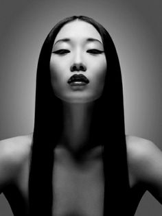Portrait Photography Inspiration Picture Description Yiqing Yin for Magazine by Davolo Steiner Foto Portrait, Female Portrait, Nude Portrait, Black And White Portraits, Black And White Photography, Fotografie Portraits, Butterfly Lighting, Foto Art, Too Faced