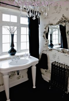 Best images, photos and pictures gallery about gothic bathroom - gothic home decor Gothic Interior, Gothic Home Decor, Interior Design, Gothic Bathroom Decor, Modern Victorian Decor, Modern Gothic, Victorian Homes, White Cottage, Cottage Bath