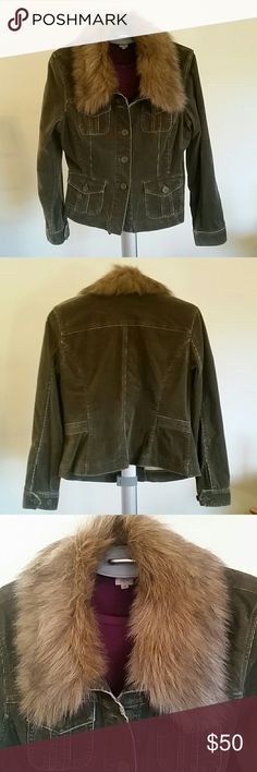 NEW LISTING--Distressed Moss Green Corduroy Jacket Detachable faux fur collar, great distressed look. Unique. Size M. INC International Concepts Jackets & Coats