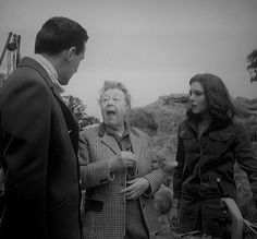 Avengers Images, New Avengers, Julie Stevens, Space Tv Shows, Tara King, Emma Peel, Lost In Space, Classic Tv, Diana