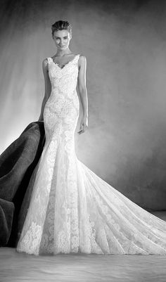 Try This Tempting Mermaid Wedding Dress With A V Neckline Lace From Atelier Pronovias Available At Schaffers In Scottsdale Arizona