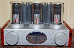 Teamtronic -COPY OF A VINTAGE MACINTOSH VACCUM TUBE AMPLIFIER - STUNNING WOOD GRAIN IMAGE CASE