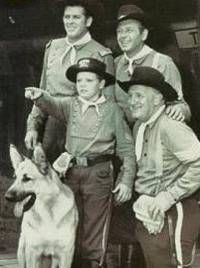rin tin tin tv show .A wonderful show,and was just made for everyone to enjoy,with a touch of excitement!Lee Aker and Rand Brooks are my favorite actors on the show! Tv Westerns, Tv Vintage, Fictional Heroes, Photo Star, Old Shows, Star Pictures, Old Tv, Nostalgia, Classic Tv