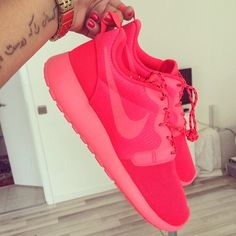 Can never go wrong with a pair of nike roshe runs