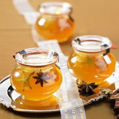 Weihnachts-Orangen-Marmelade Our popular recipe for Christmas orange jam and more than other free recipes at LECKER. Orange Jam Recipes, Sweet Recipes, Chutneys, Winter Marmelade, Jam And Jelly, Vegetable Drinks, Food Gifts, Popular Recipes, Diy Food