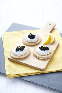 100 % Végétal: { Vivement Noël } Blinis de sarrasin et caviar végétal.