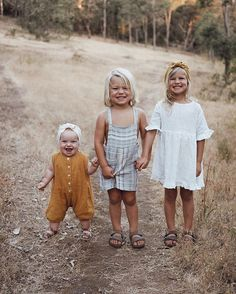 """Today I asked her what she wants to be when she grows up. Her response """"A grown up!"""" 🥰 Touché Iggy, touché x Cute Kids, Cute Babies, Baby Kids, Toddler Fashion, Kids Fashion, Style Fashion, Quoi Porter, Cute Family, Kids Swimwear"""