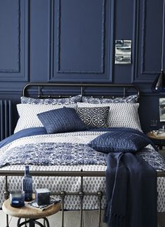 navy blue bedroom #farrowandball stiffkey blue #indigo