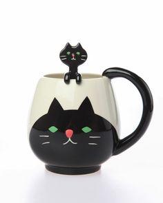 0 funny coloured cooking utensil - ustensile de cuisine rigolo de couleur -mug chat noir avec cuillère en tête de chat noir - Black Cat Cup & cat shaped Spoon Set by Juice Planning.