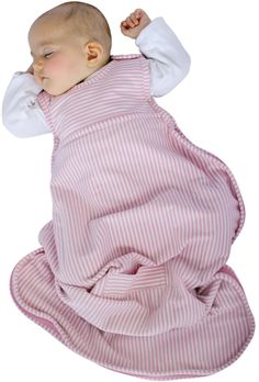 Bedtime Safety: Keeping Baby Cozy and Safe at www.georgiafamily.com #Infants #Tips #Bedtime