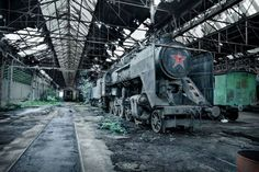 Creepy, Budapest Hungary, Train Stations - Cerca con Google
