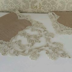 Güzel Floral Embroidery, Hand Embroidery, Embroidery Designs, Diy And Crafts, Paper Crafts, Knit Art, Linens And Lace, Ribbon Work, Sewing Studio
