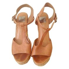 Dolce Vita Heels Beautiful light tan leather Dolce Vita heels with glazed cork bottom. Small damage in cork is pictured. Size 8.5. Dolce Vita Shoes Heels