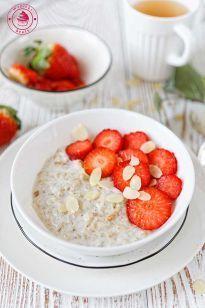 Coconut milk breakfast porridge - owsianka na mleku kokosowym