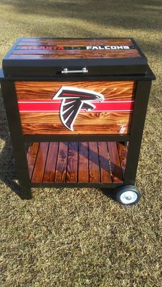 Break Down a Pallet the Easy way for Wood Projects - Woodworking Finest Pallet Cooler, Wood Cooler, Cooler Cart, Patio Cooler, Cooler Stand, Cooler Box, Car Furniture, Wooden Pallet Furniture, Wooden Pallets