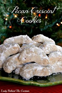 Pecan Crescent Cookies - Food Meme - One of my families favorite holiday cookies. Nothing fancy just buttery goodness. Pecan Crescent Cookie Recipe (makes doz) Ingredients 2 cups all-pu The post Pecan Crescent Cookies appeared first on Gag Dad. Cookies Receta, Yummy Cookies, Christmas Sweets, Christmas Cooking, Family Christmas, Christmas Foods, Christmas Parties, Holiday Foods, Holiday Treats